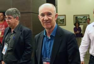 O presidente do PT, Rui Falcão, durante reunião do diretório nacional do partido Foto: Michel Filho / Agência O Globo / 17-5-2016