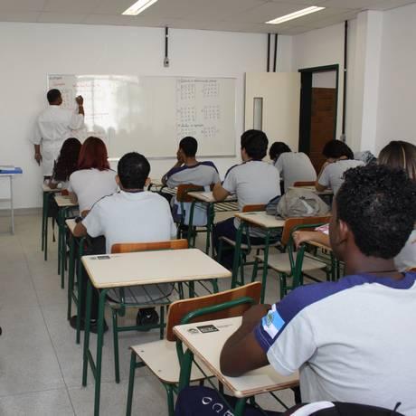 Pelo menos 424 docentes foram cedidos e estavam atuando fora das salas de aula da rede estadual Foto: Marcia Costa