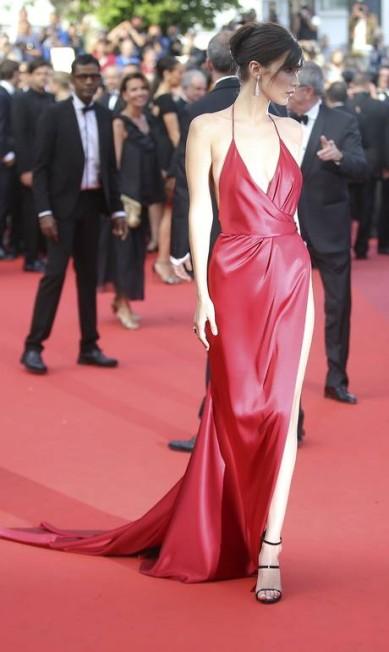 Toda a exuberância de Bella Hadid em Cannes Thibault Camus / AP