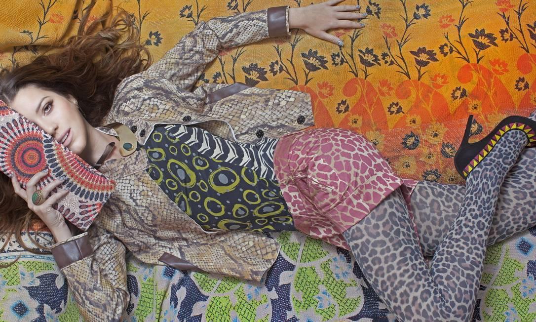 """Nathalia Dill fez história no nosso site: ela foi a estrela da nossa estreia, com um ensaio de moda exclusivo em 2012: """"Tem gente que abraça, beija, fala cheia de dedos... Eu não. Tenho até que me conter para não soar grossa algumas horas"""", revelou a atriz, na época no ar em """"Avenida Brasil"""" Vicente de Paulo / Agência O Globo"""