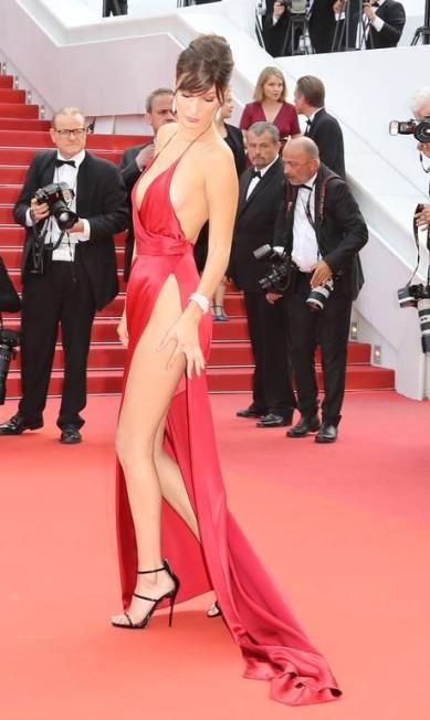 Bella Hadid: olho no look VALERY HACHE / AFP