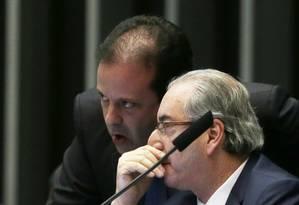 O presidente afastado da Câmara Eduardo Cunha e André Moura (PSC-SE) no Plenário Foto: Ailton de Freitas / Agência O Globo