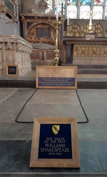 Foi nela que Shakespeare se casou com Mary Hathaway e é lá que o casal está enterrado. Foto: Leonardo Cazes / O Globo