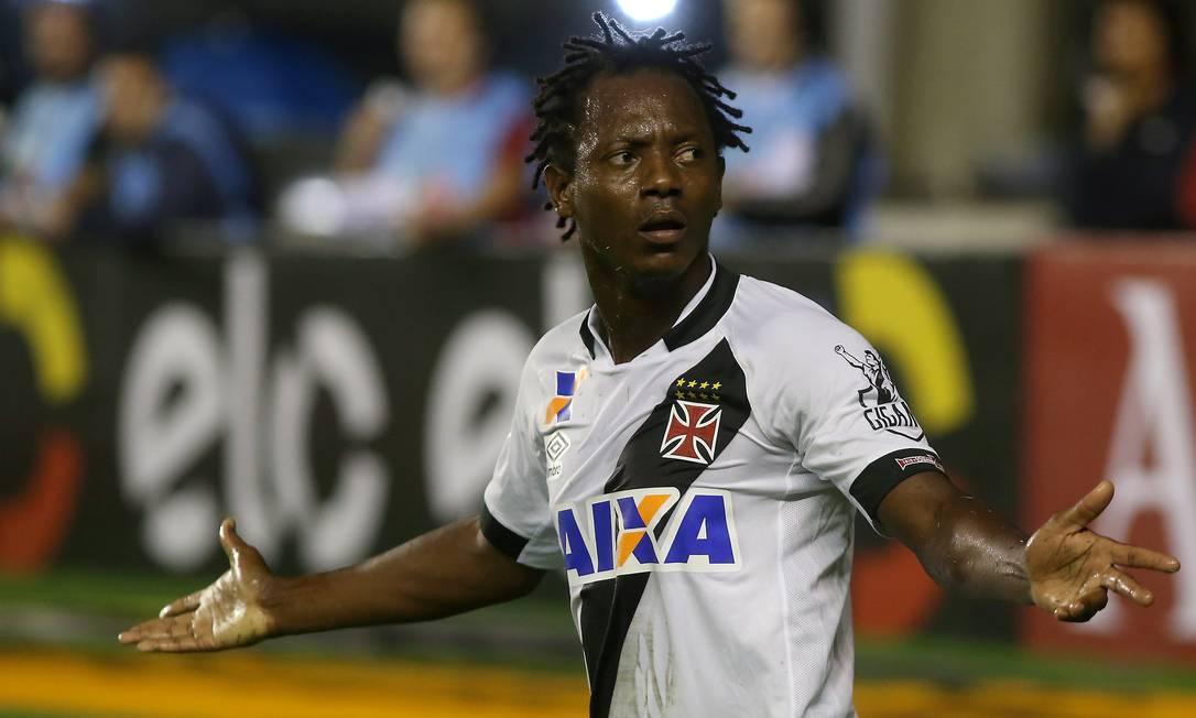 Andrezinho, do Vasco, gesticula na partida contra o CRB Marcelo Theobald / Agência O Globo