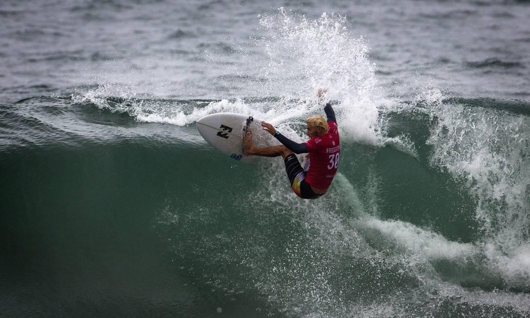 Considerado zebra, o surfista australiano Jack Freestone acabou vice-campeão do WCT do Rio, na Barra da Tijuca Guito Moreto / Agência O Globo