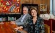 Dilma e o ex-ministro da Cultura Juca Ferreira falam com internautas pelo Facebook