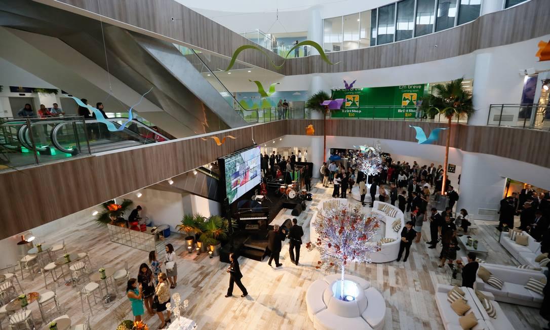 A extensão do aeroporto Antonio Carlos Jobim conta com uma área de 30 metros quadrados com lojas e restaurantes Pablo Jacob / Agência O Globo