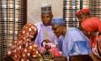 Amina apresenta filho a Buhari
