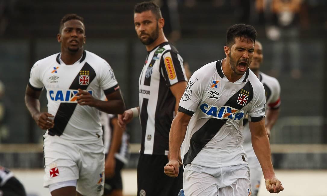 O zagueiro Luan fez o gol da vitória do Vasco sobre o Tupi Guilherme Leporace / Agência O Globo