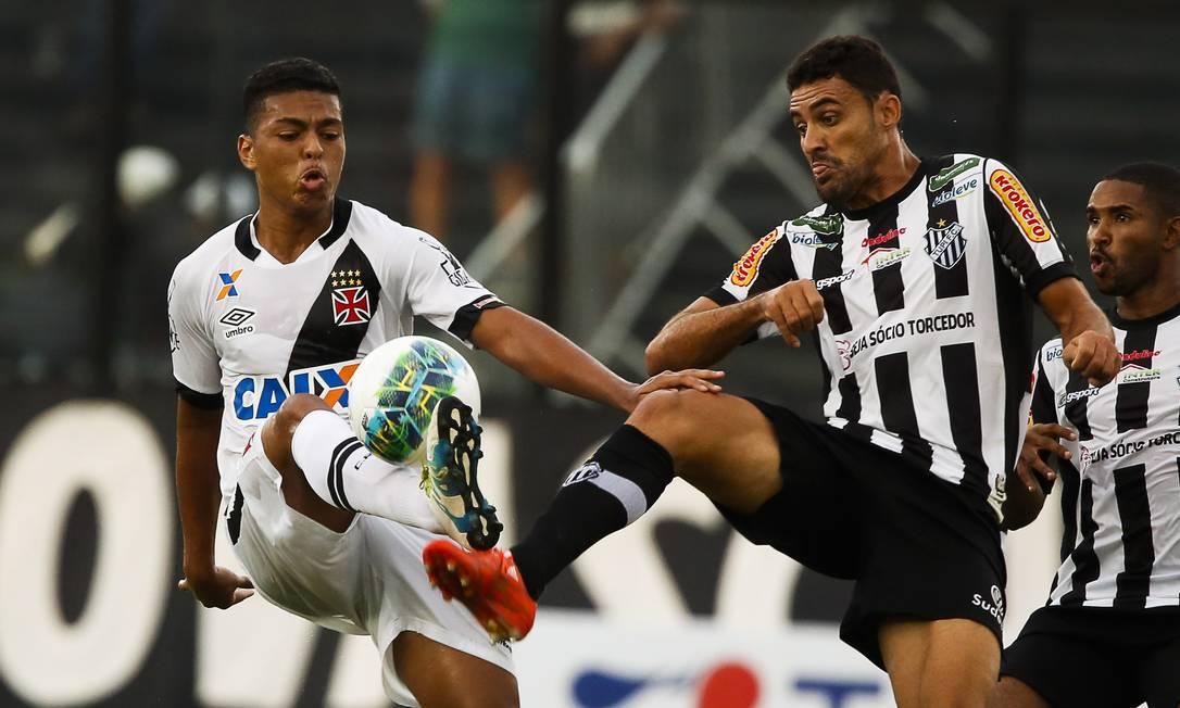 Pouco mais de cinco mil pessoas acompanharam o jogo em São Januário Guilherme Leporace / Agência O Globo