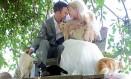 Os canadenses Dominic Husson e Louise Véronneau se casam rodeados de gatos Foto: Reprodução da internet