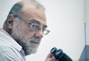 O doutor Amilcar Tanuri, chefe do laboratorio de virologia molecular da UFRJ Foto: Leo Martins / Agência O Globo