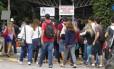Estudantes entram na PUC-Rio para fazer a prova do Enem, em 2015
