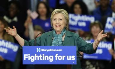 Hillary Clinton durante evento de campanha em Seattle Foto: Ted S. Warren / AP