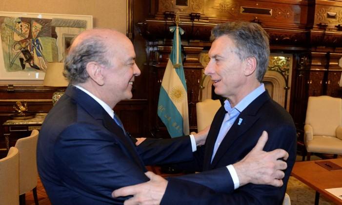 O ministro José Serra e o presidente da Argenitna Mauricio Macri Foto: Reuters