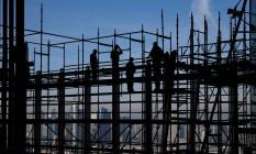 Maiores investimentos no setor de construção civil contribuíram para o crescimento da economia alemã Foto: KAI PFAFFENBACH / REUTERS