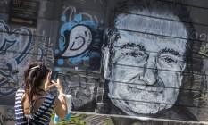 Mural com desenho do ator americano Robin Williams, que sofria de depressão e cometeu suicídio, em 2014 Foto: MARKO DJURICA / REUTERS