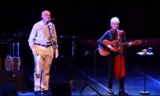 Suplicy e Joan Baez juntos em 2014, no palco do Teatro Bradesco, em São Paulo Foto: Reprodução