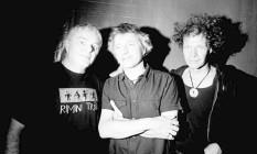 """Cesare Pizzi (à esquerda), Franz Treichler e Bernard Trontin: grupo fundado em 1985 teve um disco lançado no Brasil, """"L'eau rouge"""" Foto: Divulgação / Divulgação"""