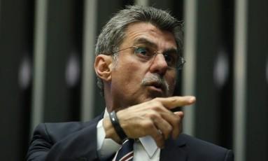 O senador Romero Jucá durante a Sessão do Congresso Nacional para análise e votação dos vetos da presidente afastada Dilma Foto: Andre Coelho / Agência O Globo / 24-5-2016