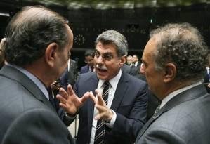 O senador Romero Jucá (PMDB-RR): grampo provocou exoneração do Ministério do Planejamento Foto: Andre Coelho / Agência O Globo / 24-5-2016