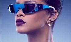 Rihanna e seus óculos Foto: Divulgação