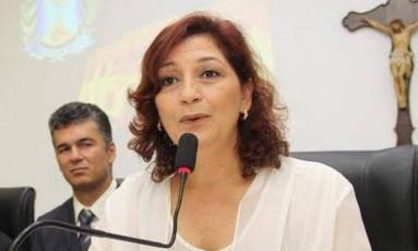 Edna Martins: ex-mulher de Edinho Silva: os dois têm um filho de 27 anos