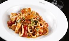 Spaghetti Profondo Mare, do Gero. Local foi eleito melhor restaurante na edição 2016 do prêmio Água na Boca Foto: Fabio Rossi / Agência O Globo