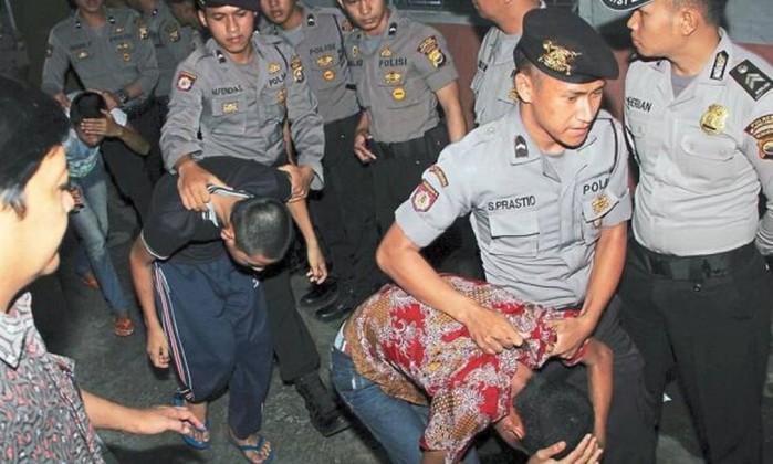 Indonésia aprova pena de morte e castração química para pedófilos