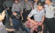 Adolescentes são presos por estupro de menor na Indonésia