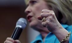 Hillary discursa na Califórnia: questão de e-mails em servidor pessoal é pedra no sapato da democrata Foto: JUSTIN SULLIVAN / AFP