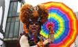 As cores da bandeira LGBT se espalham pela Av. Paulista durante Parada Gay