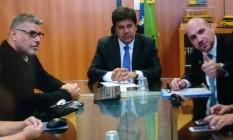 O ministro da Educação, Mendonça Filho (DEM), recebe o ator Alexandre Frota e integrantes do grupo Revoltados Online Foto: Reprodução