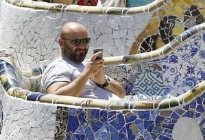 Park Guell. Pontos de wi-fi de operadoras já estão disponíveis em diferentes cidades, como Barcelona, na Espanha Foto: QUIQUE GARCIA / QUIQUE GARCIA/AFP