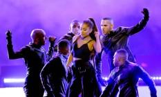Ariana Grande durante apresentação em Las Vegas, no fim de maio Foto: KEVIN WINTER / AFP