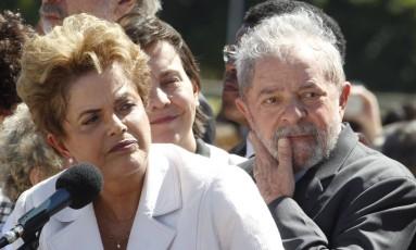 A presidente afastada Dilma Rousseff e o ex-presidente Luiz Inácio Lula da Silva Foto: Givaldo Barbosa / Agência O Globo / 12-5-2016