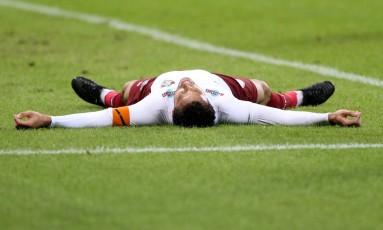 Fred cai no gramado na derrota do Fluminense para o Palmeiras Foto: Pedro Kirilos