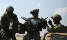 Soldados americanos se somam a forças das YPG Foto: DELIL SOULEIMAN / AFP