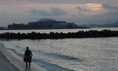 Praia do Flamengo apresenta boas condições de balneabilidade Foto: Pedro Teixeira / Agência O Globo