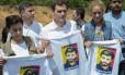 Campanha dupla. Albert Rivera, do Cidadãos, posa com familiares de López