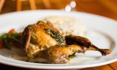 Carne de caça. Perdiz à Campesina: assado com manteiga e sálvia, servido com purê e arroz do chef, é uma das atrações do Otto, escolhido melhor na categoria Restaurante (R$ 68) Foto: Bárbara Lopes