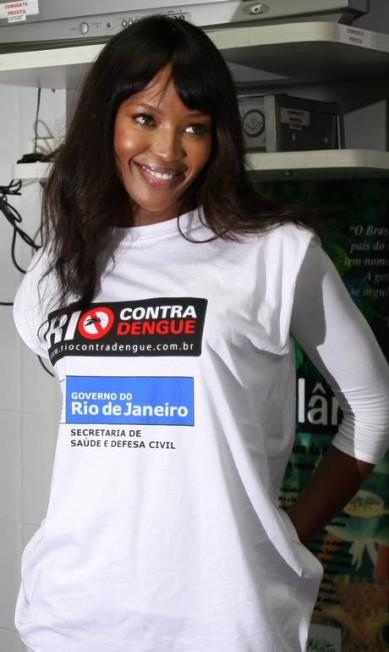 Em 2008, Naomi Campbell esteve no Hemorio, no Centro do Rio, para participar de campanha contra a dengue Márcia Foletto / Márcia Foletto/ O Globo