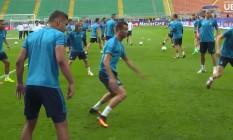 Cristiano Ronaldo vira 'bobinho' em treino do Real Foto: Reprodução