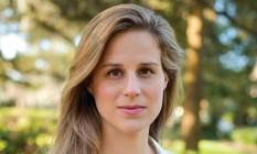 """A escritora americana Lauren Groff, autora do romance """"Destinos e fúrias"""" Foto: Megan Brown / Divulgação"""