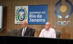 O Ministro da Justiça, Alexandre de Moraes, e o secretário de Segurança do Rio, José Mariano Beltrame, durante coletiva no Rio Foto: Antônio Werneck / Agência O Globo