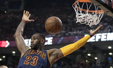 LeBron James comandou mais uma vitória do Cavaliers Foto: Nick Turchiaro / USA Today Sports