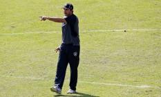 O técnico Ricardo Gomes orienta o elenco do Botafogo Foto: Vítor Silva/SSPress/Botafogo