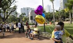 Público compareceu à inauguração da Praça Nossa Senhora da Paz, em Ipanema Foto: Fernando Lemos / Agência O Globo
