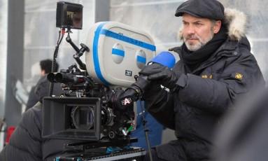 Sam Mendes no set de '007 contra Spectre' Foto: Divulgação / Jonathan Olley