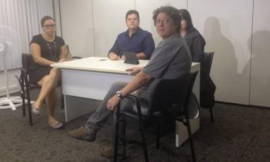 A advogada Eloísa Samy reunida com os promotores Márcio Mothé e Lúcia Iloízio, e uma representante da OAB-RJ Foto: Agência O Globo / Giselle Ouchana